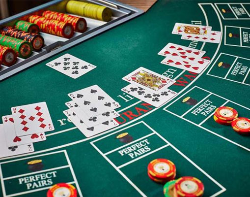TABLE DE BLACKJACK